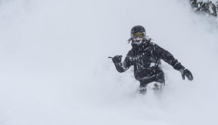 Powder und besten Pulverschne beim Freeride Powderchase Riders on the Storm mit GUide und Bergführer von Animont