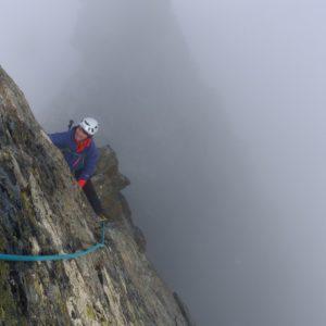 Ausgesetzte Kletterei auf der Glocknerwandüberschreitung. Geführt von einem Bergführer.