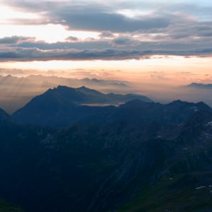 Sonnenaufgang am Weissmies. Hochtouren im Wallis mit Bergführer.