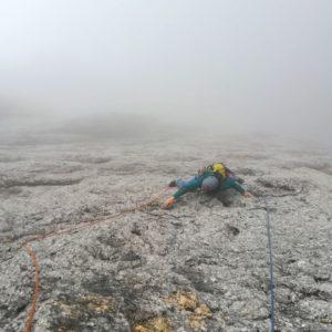 Alpinklettern an der Cima Madonna Nordwand. Mit Bergführer in der Messner Route.