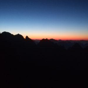 Sonnenaufgang am sentiero didel Cacciatore in der Pala di San Martino