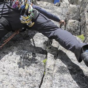 Hier darf selbst abgesichert werden! Kompakte, gutgriffiger Kletterei am Hochalmspitze Südpfeiler