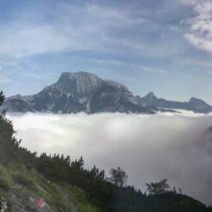 Der Buchstein thront über dem Nebelmeer