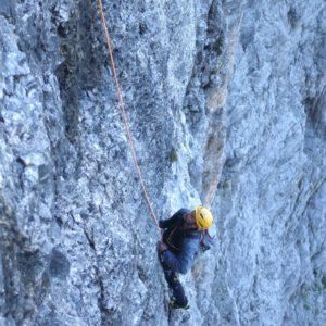 Kletterer in der 2. Sellaturm Nordwand, Messner Route. UNterwegs mit Bergführer
