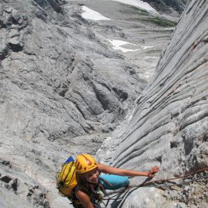 Steile Kletterei in bestem Fels im Steinerweg durch die Dachstein Südwand