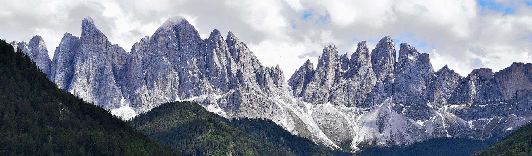Alpinklettern in den Dolomiten mit Bergführer bei Animont - Hier die Geislergruppe in den Dolomiten