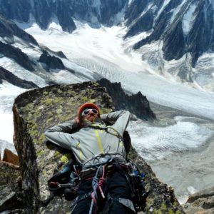 Ausrasten über dem Glacier argentiere. Klettern mit Bergführer