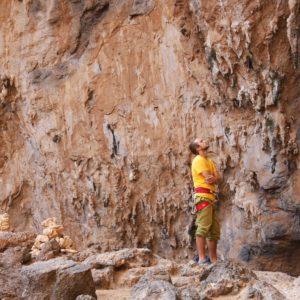Kletterer in der Sykati Cave auf Kalymnos
