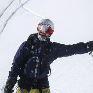 Friends on Powderdays beim Skitechnik training von Animont