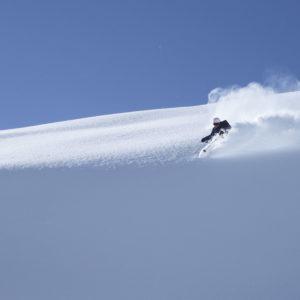 Freeriden im Tiefschnee mit der passenden Skitechnik