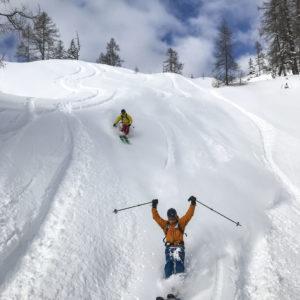 Tiefschnee Kurs mit einem Bergführer auf der Tauplitz Alm