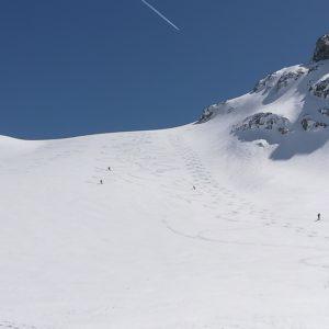 Abfahrt beim Skihochtourenkurs