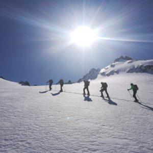 Skitouren mit Bergführer auf der Jamtalhütte.
