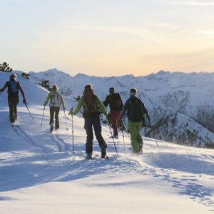 Lehrreiche Skitouren mit Freunden oder der Familie. Kurs und Skitouren beim Skitourencamp Ennstal