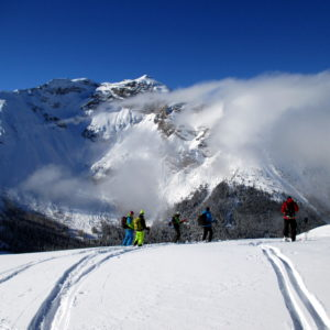 Skitourengruppe bei Genussskitouren.
