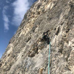 Die splittrige erste Länge der Route fux am hechenberg