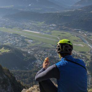 flughafen innsbruck, gesehen aus der hechenberg südwand